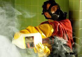 L'acide fluorhydrique, le pire des acides